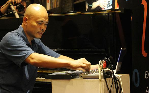 Nhạc sĩ Vũ Nhật Tân: người độc hành đam mê - Ảnh 1.