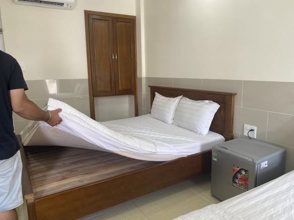 Khách sạn Dreamer bị khách cố tình làm bẩn bị phạt 2 lỗi - Ảnh 1.