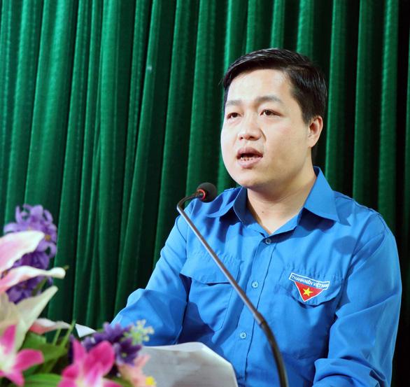 Con trai bí thư tỉnh ủy làm bí thư thành ủy Bắc Ninh: tỉnh nói việc này không vướng quy định nào - Ảnh 2.
