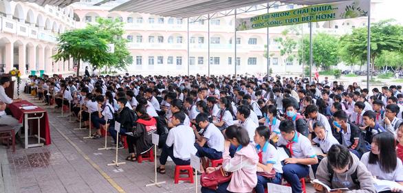 Hơn 12.000 thí sinh ở Cần Thơ thi tuyển vào lớp 10 - Ảnh 1.