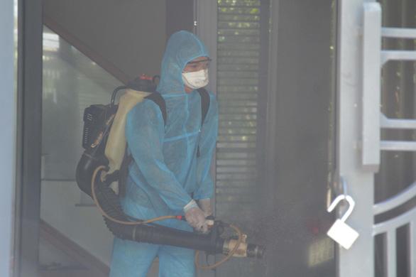 Đà Nẵng có ca nghi nhiễm COVID-19, Quảng Nam tăng cường phòng dịch - Ảnh 2.