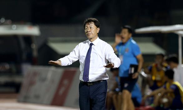 Không chịu làm giám đốc kỹ thuật, HLV Chung Hae Soung chia tay CLB TP.HCM - Ảnh 2.