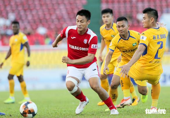 Đang đua vô địch V-League, Than Quảng Ninh bất ngờ đẩy 3 trụ cột sang Hải Phòng - Ảnh 1.