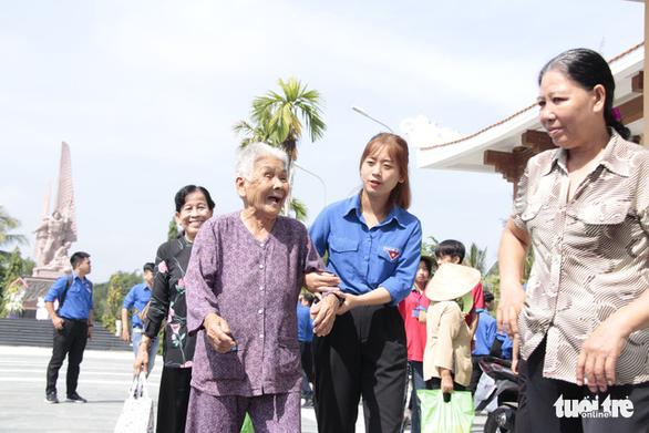 Mẹ Việt Nam anh hùng Phan Thị Tám: 'Mong các con mãi nuôi dưỡng tình yêu nước' - Ảnh 6.