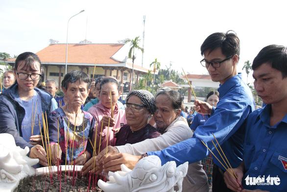 Mẹ Việt Nam anh hùng Phan Thị Tám: 'Mong các con mãi nuôi dưỡng tình yêu nước' - Ảnh 2.