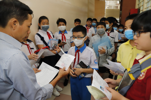 Sáng nay, gần 4.000 học sinh thi vào Trường chuyên Trần Đại Nghĩa - Ảnh 4.