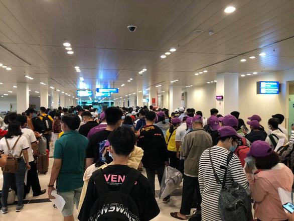 Cần Thơ: Lấy mẫu xét nghiệm tất cả hành khách trên các chuyến bay từ Đà Nẵng - Ảnh 2.