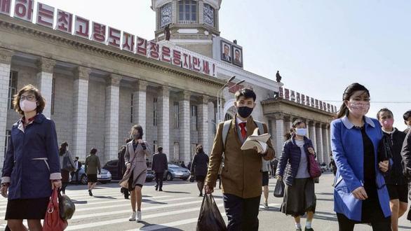 Dịch COVID-19 ngày 26-7: Triều Tiên có ca nghi nhiễm đầu tiên - Ảnh 3.