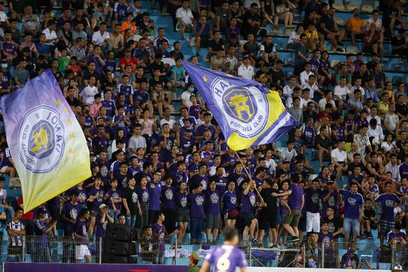 V-League 2020 tạm dừng thi đấu vì COVID-19 - Ảnh 1.
