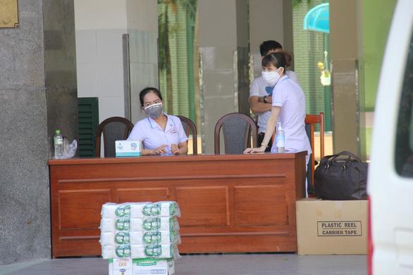 Bộ Y tế ra thông báo khẩn liên quan BN 420, từng tới chung cư ở TP.HCM - Ảnh 1.