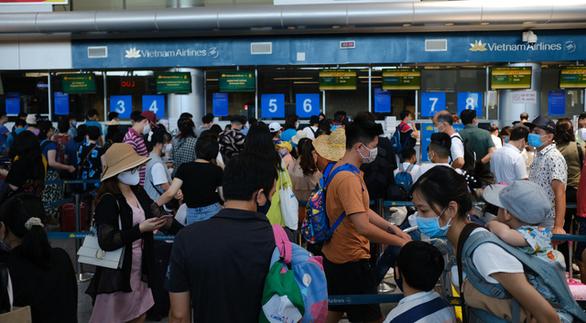 Kiến nghị duy trì số chuyến bay tới Đà Nẵng để giải tỏa du khách - Ảnh 1.
