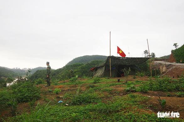 Các nhóm nhập cảnh trái phép như chơi cút bắt với biên phòng Việt Nam - Ảnh 1.