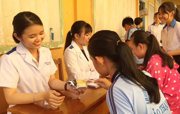 Bí thư thứ nhất Trung ương Đoàn, hoa hậu HHen Niê thăm cựu TNXP, gia đình chính sách - Ảnh 7.