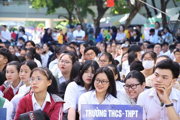 Bộ GD-ĐT: Vẫn thi tốt nghiệp THPT 2020 theo lịch - Ảnh 1.