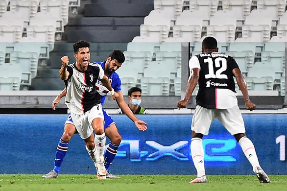 Sút hỏng phạt đền, Ronaldo vẫn là người hùng giúp Juve vô địch Serie A lần thứ 9 liên tiếp - Ảnh 1.