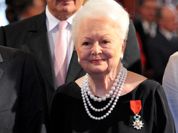 Olivia de Havilland - nữ diễn viên Cuốn theo chiều gió qua đời ở tuổi 104 - Ảnh 2.
