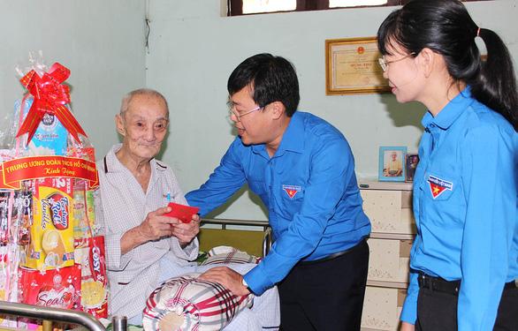 Người trẻ tri ân mẹ Việt Nam anh hùng - Ảnh 1.