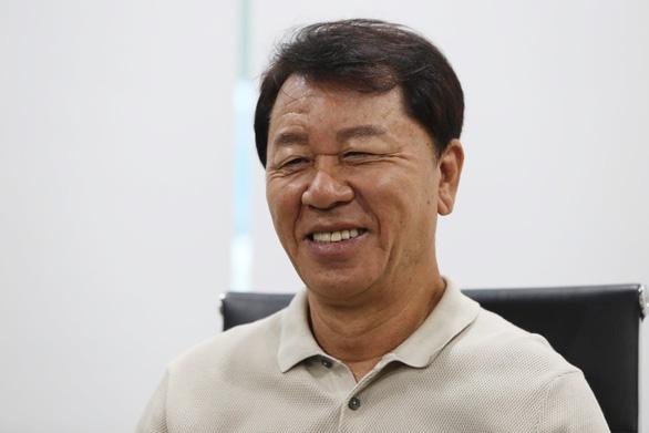 HLV Chung Hae Seong nói báo Hàn viết sai chuyện ông tố CLB TP.HCM chơi xấu - Ảnh 1.