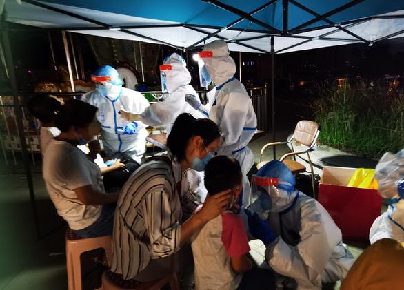 Bất ngờ có ca nhiễm sau 111 ngày, thành phố Trung Quốc gấp rút xét nghiệm 6 triệu dân - Ảnh 1.