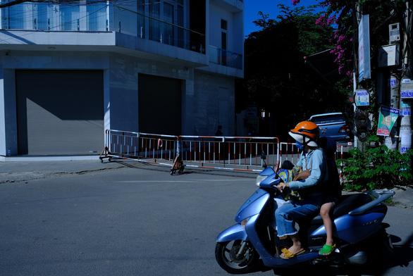 Phong tỏa 200 hộ dân nơi bệnh nhân 419 sống và Bệnh viện đa khoa TP Quảng Ngãi
