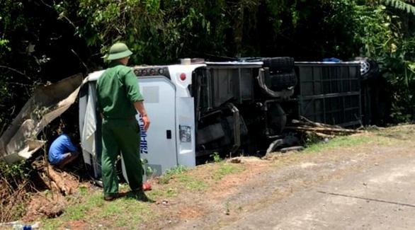 Khởi tố vụ lật xe làm 15 người chết tại Quảng Bình - Ảnh 1.