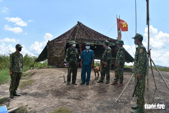 An Giang đã phát hiện và bắt giữ 392 người xuất nhập cảnh trái phép - Ảnh 2.