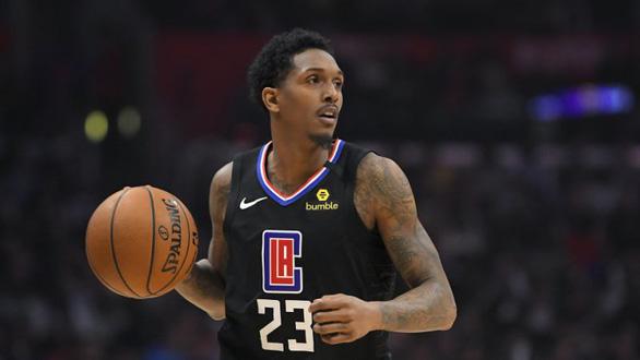 Cầu thủ bóng rổ không được thi đấu vì... đi hộp đêm thác loạn - Ảnh 1.