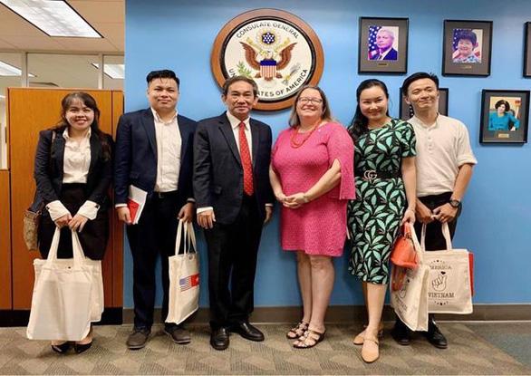 Đại học Quốc tế Hồng Bàng tri ân lãnh sự các nước tại TP.HCM - Ảnh 1.