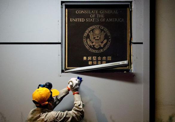 Trung Quốc vào cửa trước, tiếp quản lãnh sự quán Mỹ ở Thành Đô - Ảnh 4.