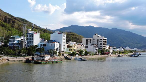 Khánh Hòa đón 230 người Việt từ Đài Loan về tránh dịch - Ảnh 1.
