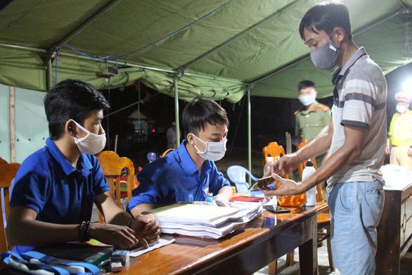 Đà Nẵng kêu gọi thanh niên đăng ký tham gia chống dịch COVID-19 - Ảnh 1.