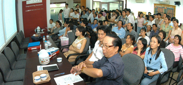 Chuyện chưa kể 20 năm thị trường chứng khoán Việt Nam - Kỳ 2: Những ngày ngây thơ, ngây ngất - Ảnh 1.