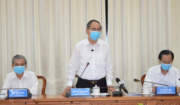 TP.HCM đi từng ngõ, gõ từng nhà tìm người đến từ Đà Nẵng - Ảnh 1.