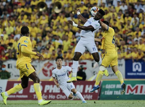 V-League 2020 dự định trở lại vào ngày 12-9 hoặc 18-10 - Ảnh 1.