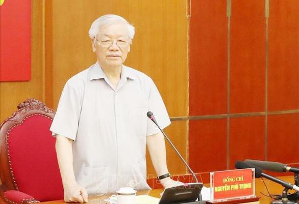 Ban Bí thư khai trừ Đảng cựu phó chủ tịch UBND TP.HCM Nguyễn Hữu Tín - Ảnh 1.