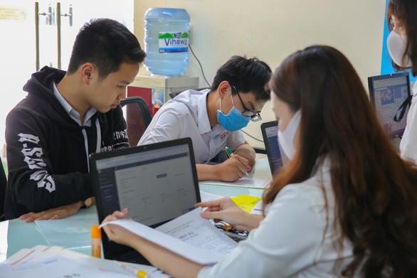 HUTECH xét học bạ đến 15-8: Cơ hội chắc suất trước kỳ thi - Ảnh 1.