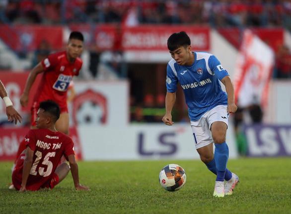 CLB Than Quảng Ninh bị cách ly, Cúp quốc gia lùi thêm 3 ngày - Ảnh 1.
