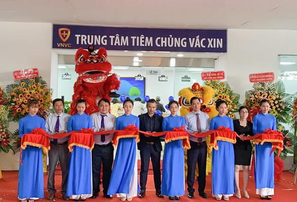 Khai trương 2 trung tâm VNVC Vũng Tàu và Huế - Ảnh 1.
