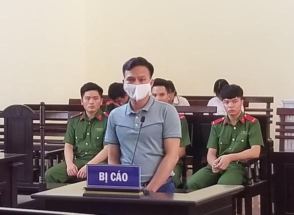 Phạt 30 tháng tù treo nguyên chánh văn phòng TAND huyện Cao Phong - Ảnh 1.