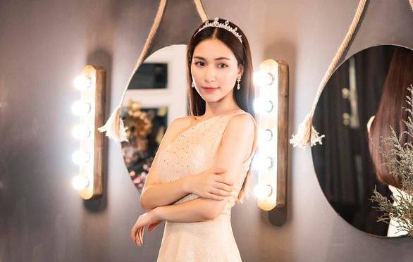 Hòa Minzy thừa nhận bất cẩn khi chia sẻ phát ngôn giả mạo Phó thủ tướng - Ảnh 1.