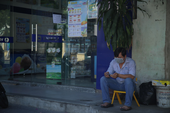 Đà Nẵng dừng bán các mặt hàng ăn uống mang về từ 13h ngày 30-7 - Ảnh 2.