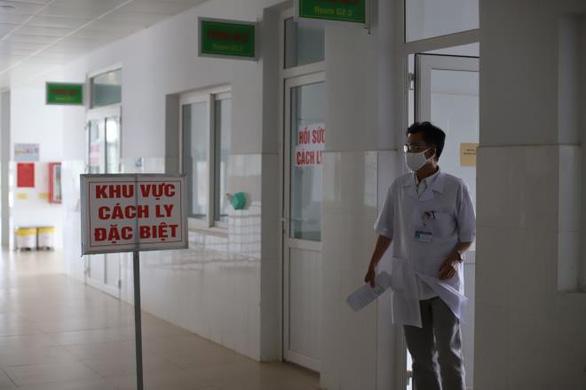 Đắk Lắk: phong tỏa khoa truyền nhiễm, cách ly gần 100 người - Ảnh 1.