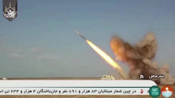 Iran tập trận tại vùng Vịnh trong bối cảnh căng thẳng với Mỹ - Ảnh 1.