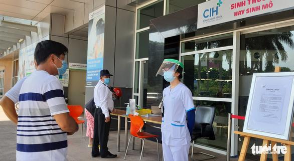 Bệnh viện Quốc tế City theo dõi sức khỏe y bác sĩ tiếp xúc người nghi nhiễm COVID-19 - Ảnh 2.