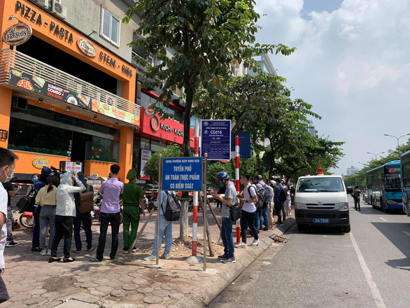 Hà Nội yêu cầu xét nghiệm tất cả người đi Đà Nẵng từ ngày 8-7 - Ảnh 2.