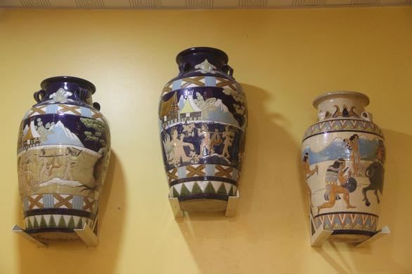 Hàng nghìn món đồ xưa, cổ vật phủ kín ngôi nhà 2 tầng ở Cần Thơ - Ảnh 6.