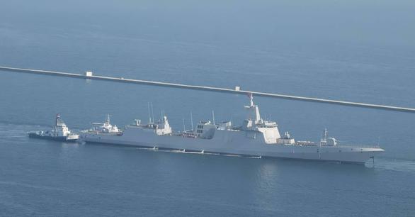 Trung Quốc tung clip khu trục hạm lớn nhất thế giới thử vũ khí hiện đại để làm gì? - Ảnh 3.