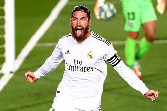 Thắng sát nút Getafe, Real Madrid tạo khoảng cách 4 điểm với Barca - Ảnh 1.