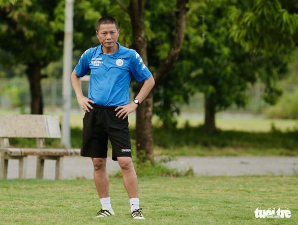 Quang Hải rách cơ háng, Hà Nội FC khủng hoảng lực lượng nghiêm trọng - Ảnh 1.