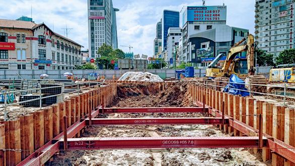 Xây dựng 6 đường hầm lên xuống nhà ga metro Bến Thành - Ảnh 1.